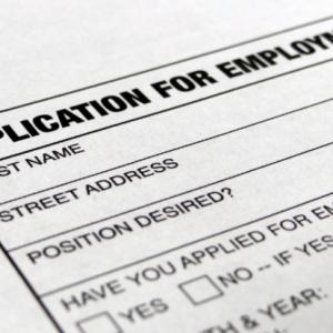 U.S. jobs: shows signals loss of momentum